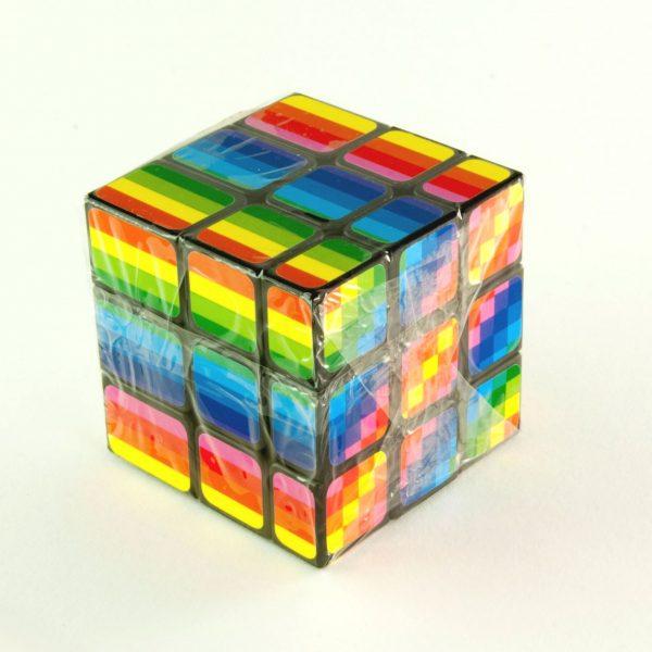 Магическо кубче несиметрично