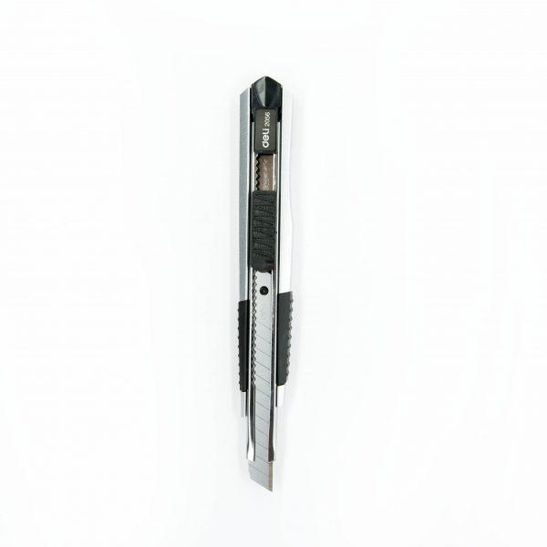 Макетен нож 9 мм Deli