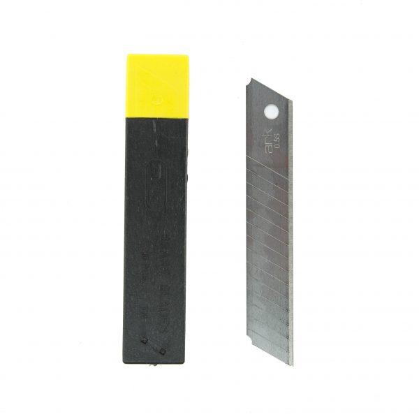 Резервен макетен нож 18 мм Ark